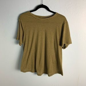 charlotte russe green and white scoopneck t-shirt